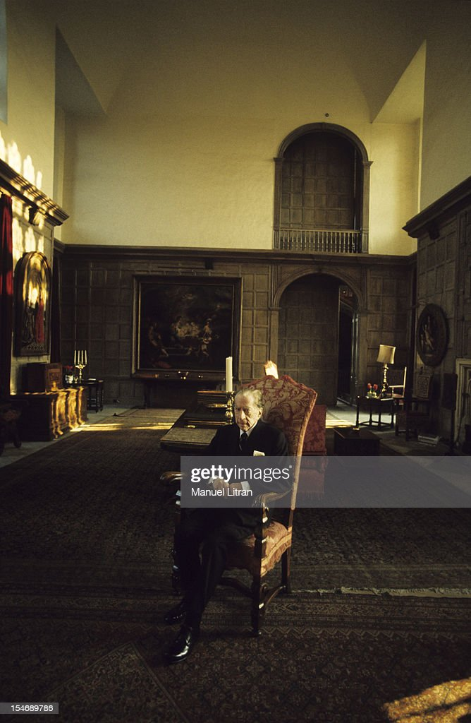 England, in January 1973, billionaire Paul GETTY home, sitting in an armchair in his castle of the sixteenth century, Sulton Palace, 40 km from London.