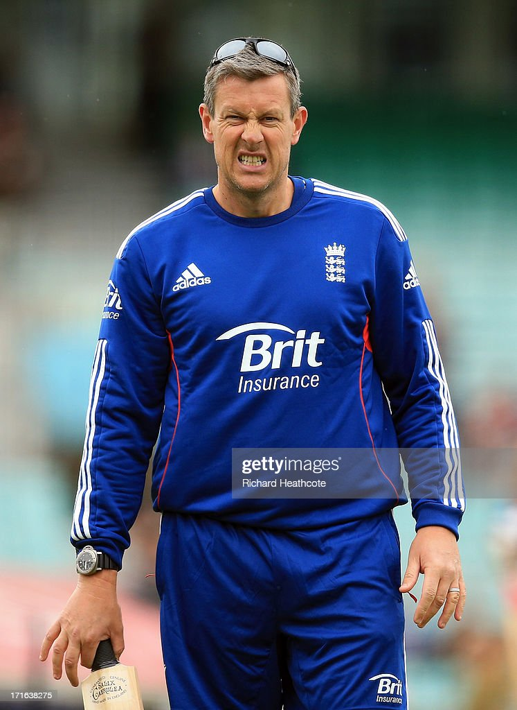 England limit overs coach <a gi-track='captionPersonalityLinkClicked' href=/galleries/search?phrase=Ashley+Giles&family=editorial&specificpeople=184493 ng-click='$event.stopPropagation()'>Ashley Giles</a> during the warm up before the 2nd Natwest International T20 match between England and New Zealand at The Kia Oval on June 27, 2013 in London, England.