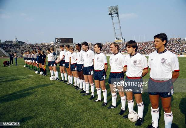 England line up before a fiendly International against Hungary at the Nepstadion on April 27 1988 in Budapest Hungary from right to left Gary Lineker...