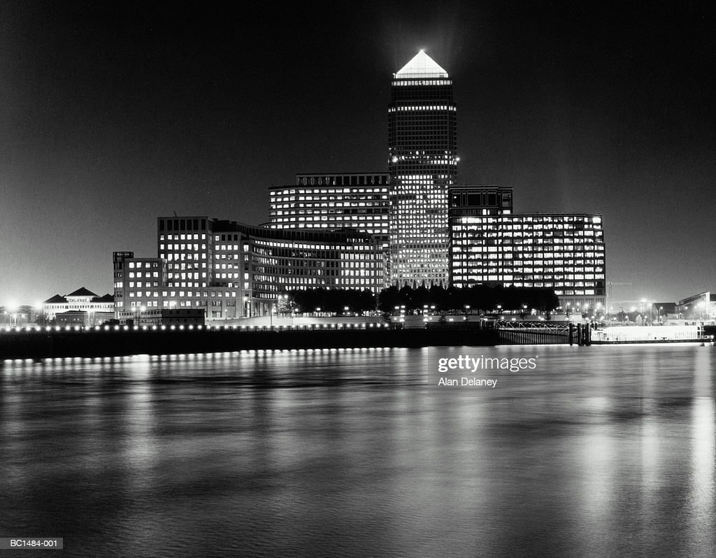 England, London, Canary Wharf and Canada Tower at night (B&W) : Stock Photo