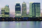 England, London, Canary Wharf and office buildings, skyline, dusk