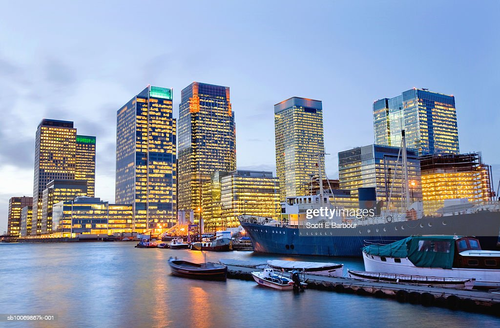 England, London, Docklands, Canary Wharf at dusk