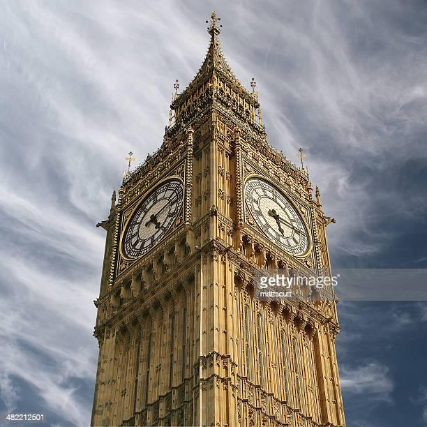 Reino Unido, Londres, Inglaterra, vista de ángulo bajo de Big Ben