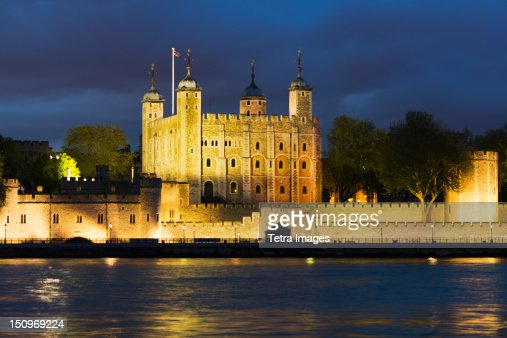 UK, England, London, Tower of London at night