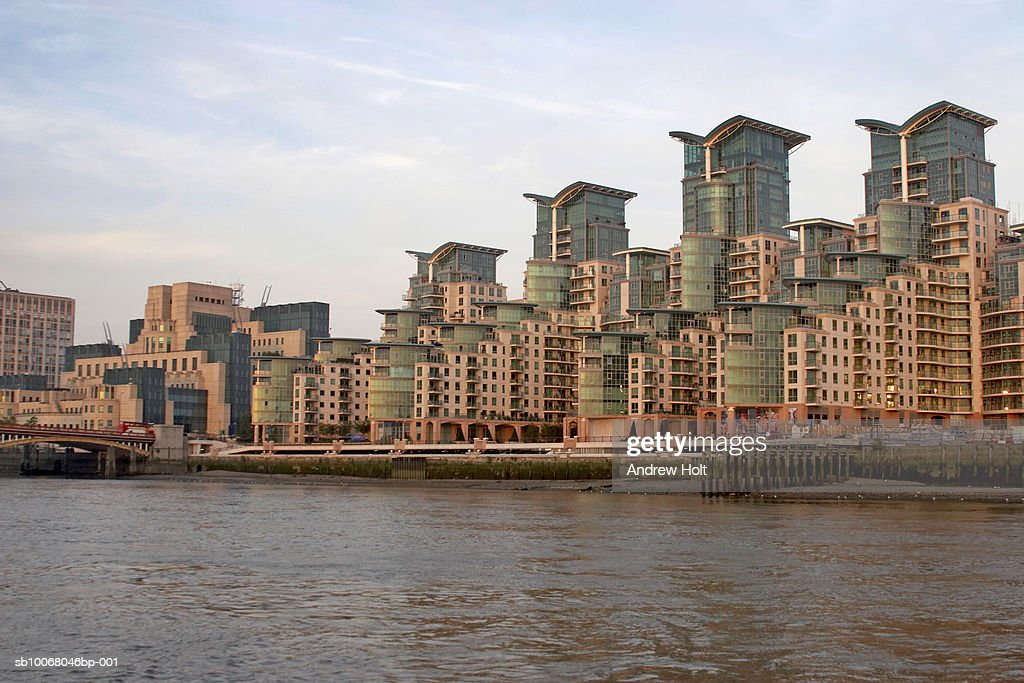 England, London, Vauxhall, St George Wharf
