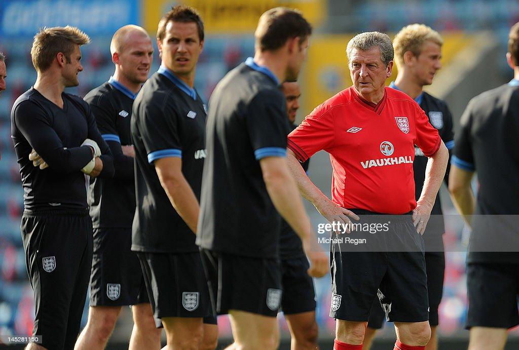 England manager <a gi-track='captionPersonalityLinkClicked' href=/galleries/search?phrase=Roy+Hodgson&family=editorial&specificpeople=881703 ng-click='$event.stopPropagation()'>Roy Hodgson</a> looks on during the England training session and press conference at the Ullevaal Stadion on May 25, 2012 in Oslo, Norway.
