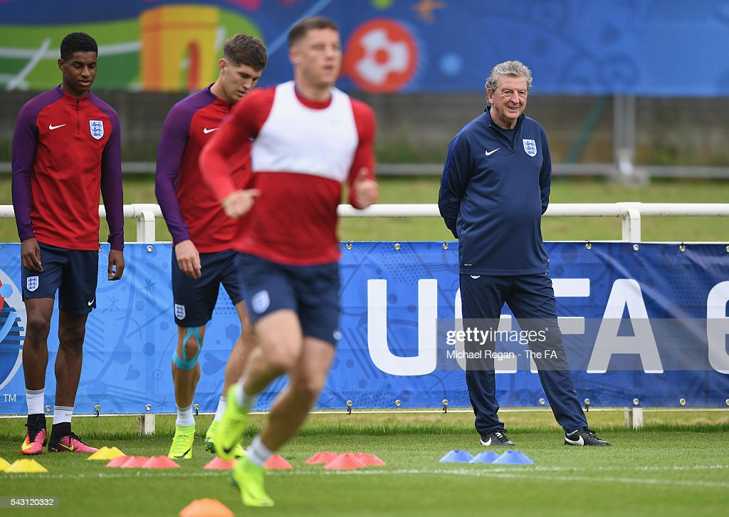 England manager <a gi-track='captionPersonalityLinkClicked' href=/galleries/search?phrase=Roy+Hodgson&family=editorial&specificpeople=881703 ng-click='$event.stopPropagation()'>Roy Hodgson</a> looks on during the England training session on June 26, 2016 in Chantilly, France.