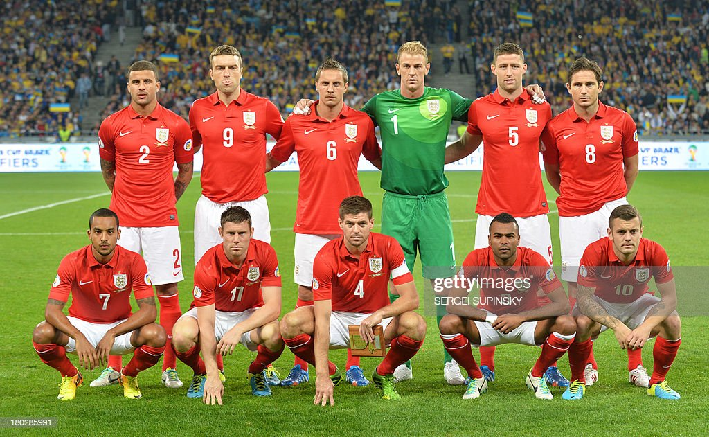 England national football team players (background, fromL) Kyle Walker, Ricie Lambard, Phil Jagielka, Joe Hart, Gary Cahill, Frank Lampard (foreground, fromL) Theo Walcott, James Milner, Ashley Cole, Jack Wilshere pose prior the World Cup 2014 qualifying football match England vs Ukraine in Kiev on September 10, 2013.