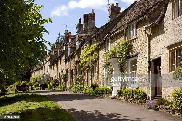 England, Oxfordshire, Cotswolds, Burford street scene