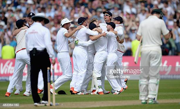 England players celebrate winning the 4th Investec Ashes Test match between England and Australia at Trent Bridge on August 8 2015 in Nottingham...