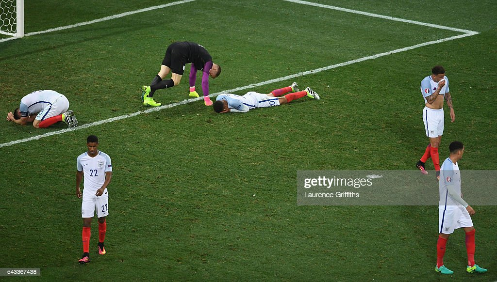 England players show their dejection after their defeat in the UEFA EURO 2016 round of 16 match between England and Iceland at Allianz Riviera Stadium on June 27, 2016 in Nice, France.