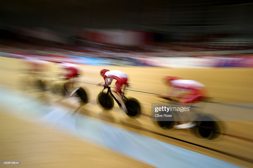 England race in the Men's 400m Team Pursuit Final at Sir Chris Hoy Velodrome during day one of the Glasgow 2014 Commonwealth Games on July 24, 2014 in Glasgow, United Kingdom.
