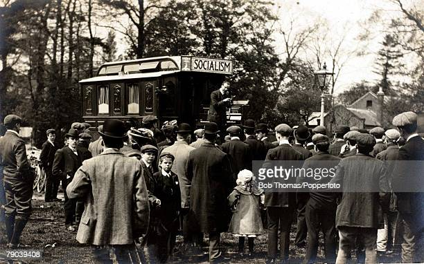 England Social History The William Morris Clarion van with a message on Socialism circa 1915