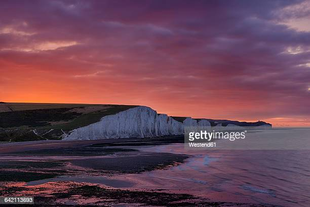 England, Sussex, View to Seven Sisters Chalk Cliffs at sunrise, Seven Sisters Country Park