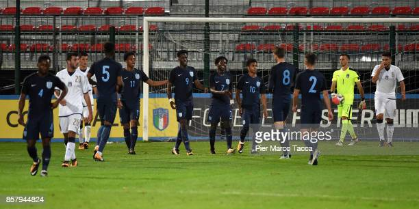 England Team celebrates a goal during the 8 Nations Tournament match between Italy U20 and England U20 on October 5 2017 in Gorgonzola Italy