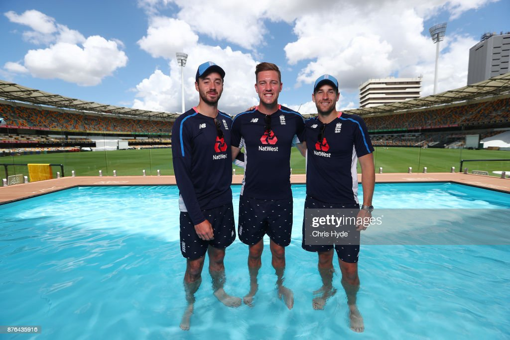 England Players Visit The Gabba Pooldeck