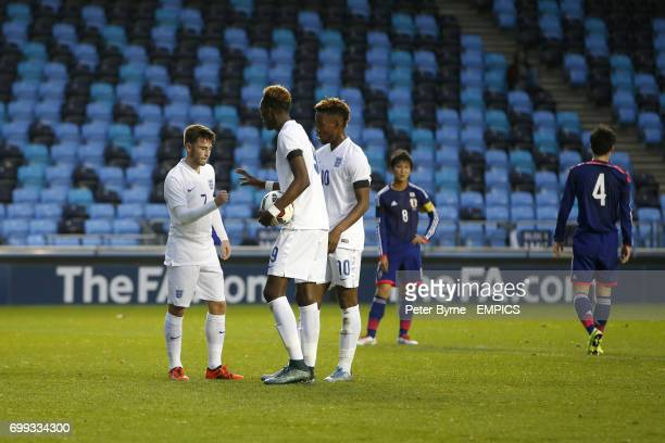 England U19's Patrick Roberts and Tammy Abraham play RockPaper Scissors to decide who takes a penalty