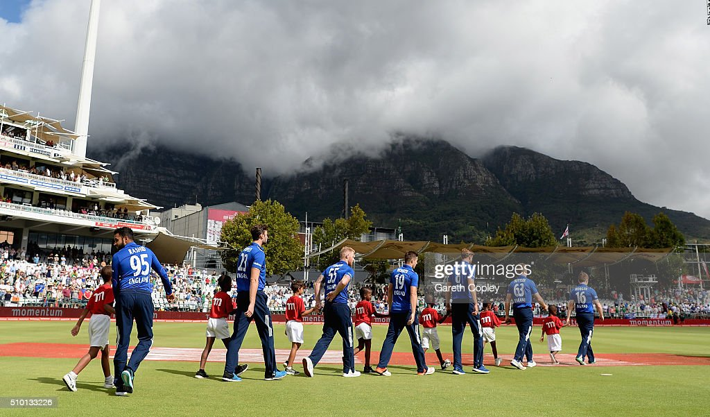 England walk on to the field ahead of the 5th Momentum ODI match between South Africa and England at Newlands Stadium on February 14, 2016 in Cape Town, South Africa.