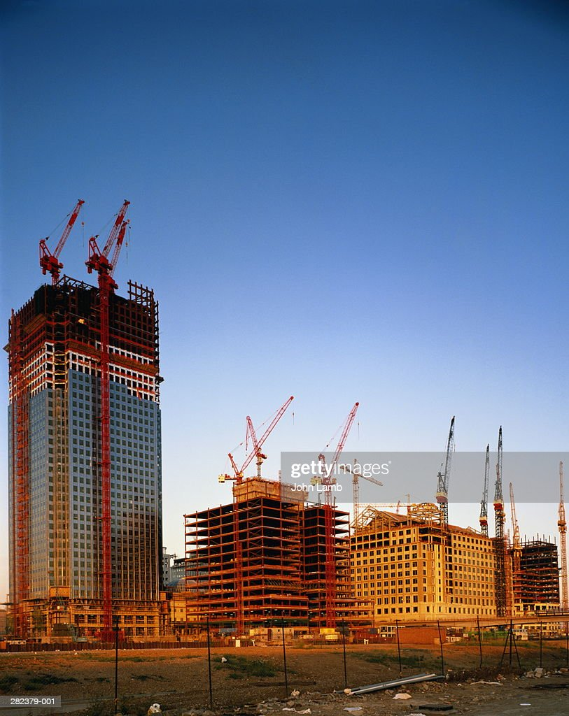 England,London,Isle of Dogs,Canary Wharf,offices under construction : Stock Photo