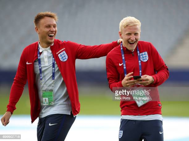 England's Cauley Woodrow and Will Hughes prior to the UEFA European Under21 Championship Group A match at the Kolporter Arena Kielce
