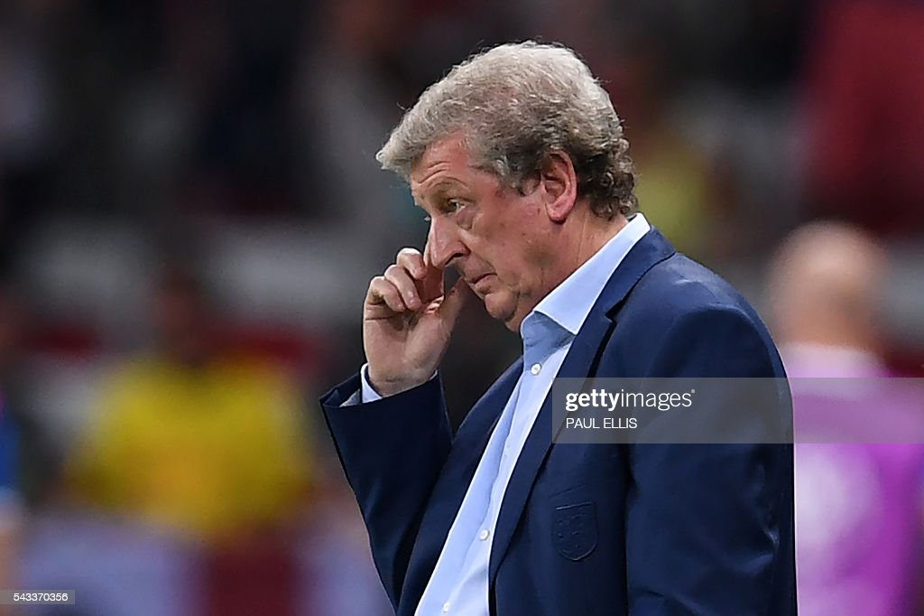 England's coach Roy Hodgson looks on during Euro 2016 round of 16 football match between England and Iceland at the Allianz Riviera stadium in Nice on June 27, 2016. / AFP / PAUL
