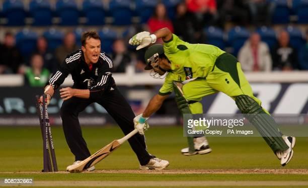 England's Graeme Swann runs out Pakistan's Mohammad Hafeez during the Second Twenty20 International at the SWALEC Stadium Cardiff