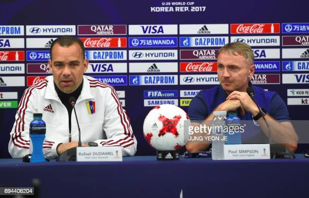 England's head coach Paul Simpson and Venezuela's head coach Rafael Dudamel attend at a press conference ahead of the U20 World Cup final football...