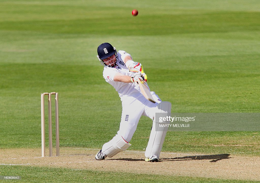 England's Ian Bell bats during day two of the four-day warm up international cricket match between New Zealand and England in Queenstown on February 28, 2013. AFP PHOTO / Marty MELVILLE