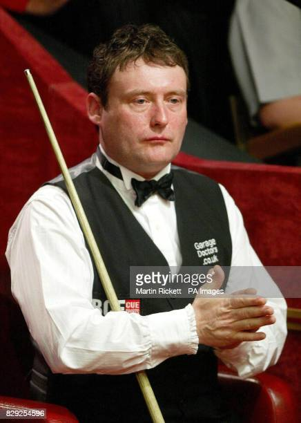 England's Jimmy White during the Embassy World Snooker Championship second round match against fellow country man Stephen Lee at the Crucible Theatre...