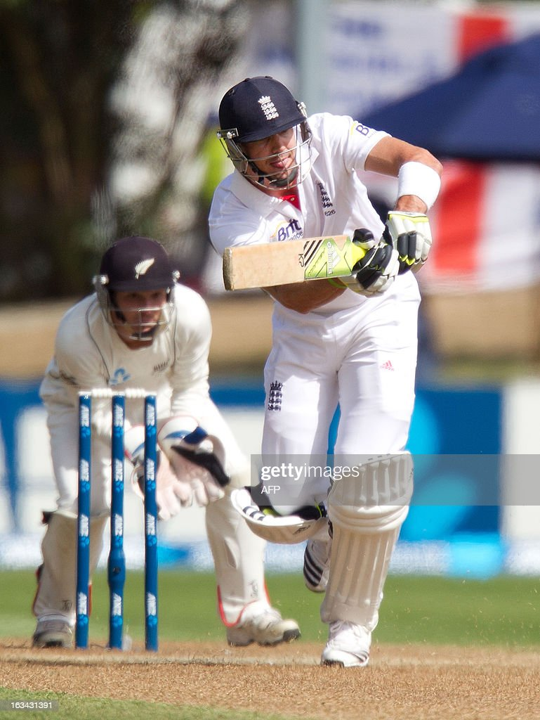 England's Kevin Pietersen bats with New Zealand's keeper BJ Watling during day four of the first international cricket test match between New Zealand and England played at the University Oval park in Dunedin on March 10, 2013. AFP PHOTO / Marty MELVILLE