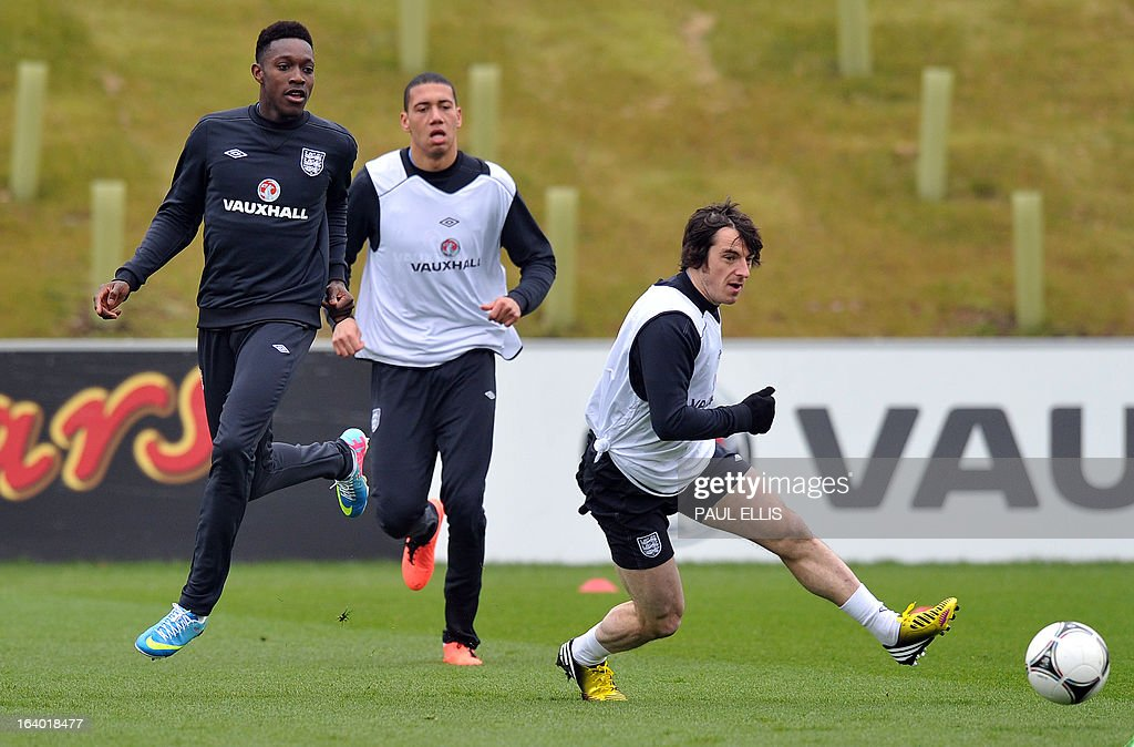 England's Leighton Baines (R) and Danny Welbeck (L) take part in a training session at the St George's Park training complex, near Burton-upon-Trent, central England on March 19, 2013 ahead of their 2014 World Cup qualifier football match against San Marino on March 22.