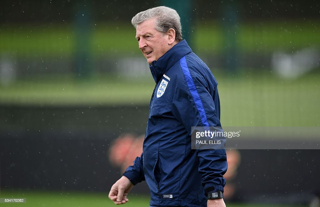England's manager Roy Hodgson attends a team training session at the City Football Academy in Manchester, north-west England, on May 25, 2016. England are set to play Australia in a friendly international football match in Sunderland on May 27, 2016. / AFP / PAUL