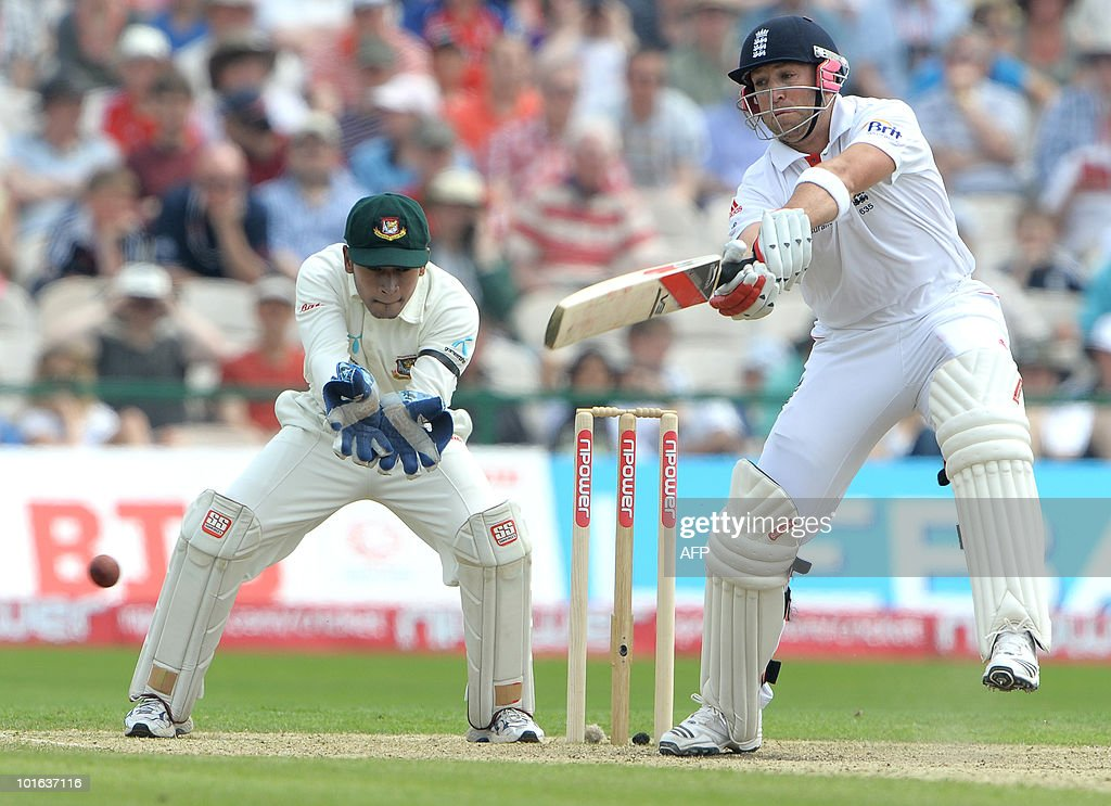 England's Matt Prior (R) hits four runs to bring up his 50 during the second day of the second Test match against Bangladesh at Old Trafford in Manchester, northwest England, on June 5, 2010.