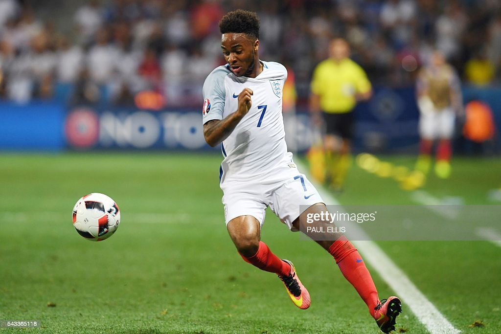 England's midfielder Raheem Sterling plays the ball during Euro 2016 round of 16 football match between England and Iceland at the Allianz Riviera stadium in Nice on June 27, 2016. / AFP / PAUL