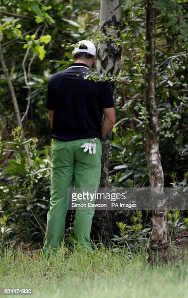 England's Oliver Wilson takes a toilet break during Round Four of the BMW PGA Championship at Wentworth Golf Club Surrey