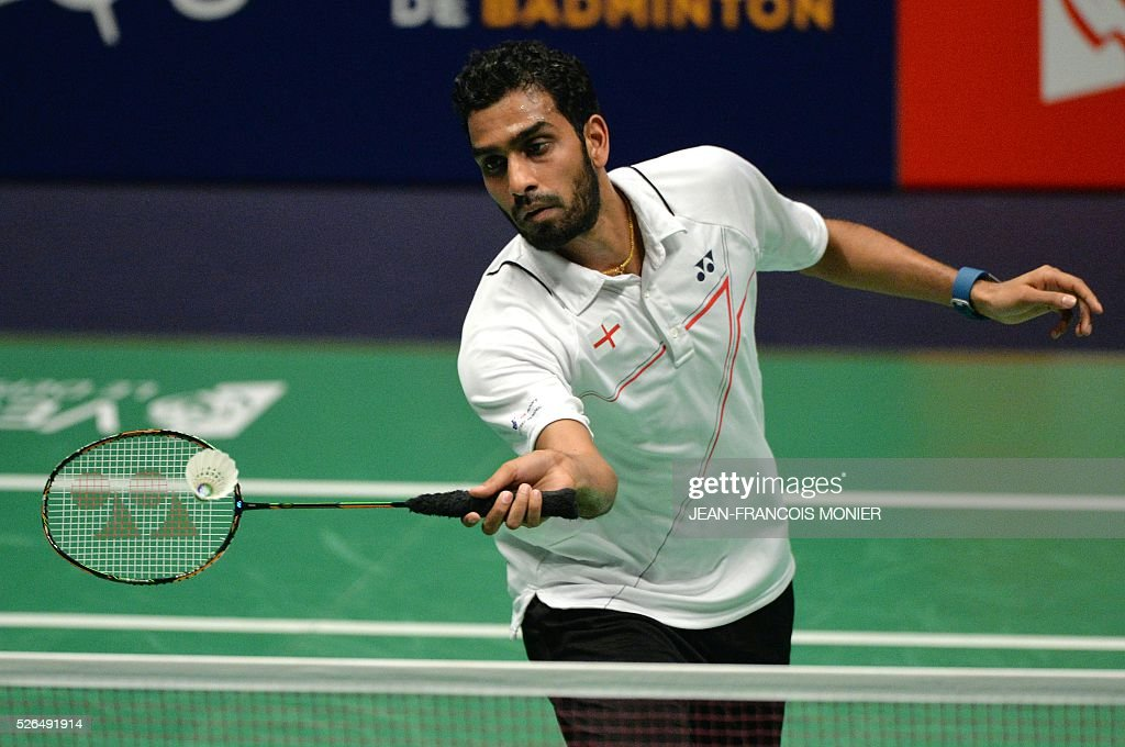 England's Rajiv Ouseph hits a return to Denmark's Jan O Jorgensen during their men's simple semi-final match Denmark vs. England during the 2016 European badminton championships, on April 30, 2016 in Mouilleron-le-Captif, western France. / AFP / JEAN