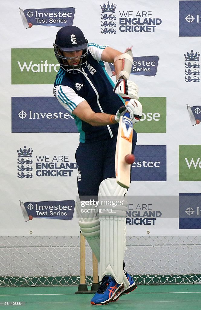 England's Steven Finn bats during an indoor practise session ahead of the second cricket Test match between England and Sri Lanka in Chester-le-Street, north east England on May 26, 2016. England may come into the second Test against Sri Lanka in Durham on the back of a crushing win in the series opener, but according to Stuart Broad the hosts have still to hit top form. England are set to play Sri Lanka in a second test cricket match on May 27. / AFP / SCOTT