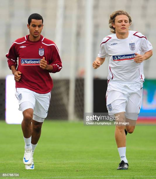 England's Theo Walcott and Jimmy Bullard during the training session at the Olympic Stadium Barcelona