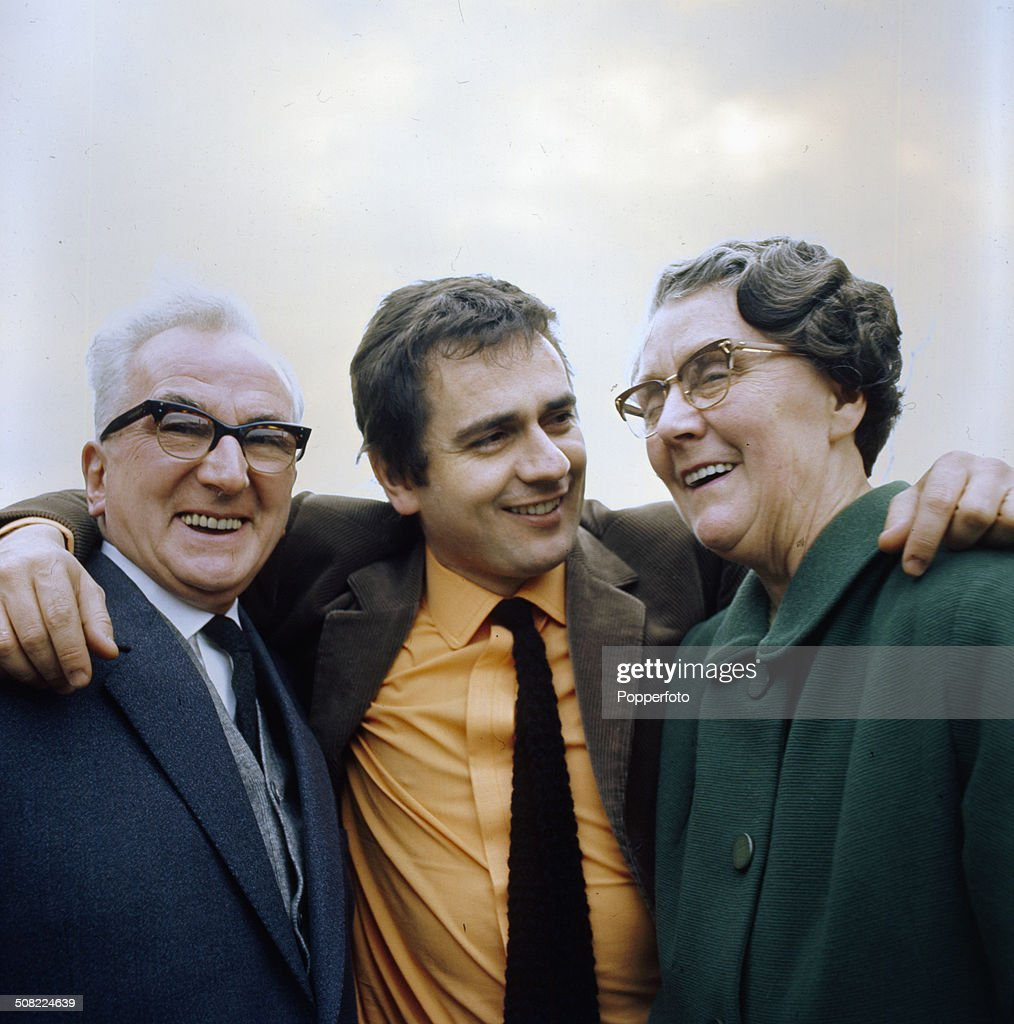 English actor and musician Dudley Moore posed with his parents Ada and John in 1966