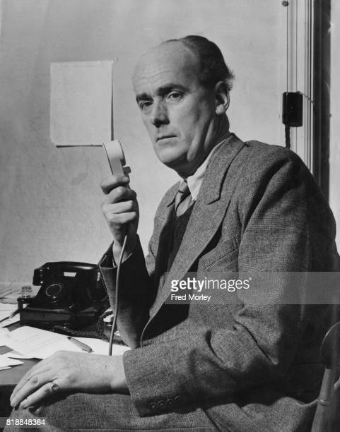 English actor and newsreader Bruce Belfrage the Liberal candidate for South Buckinghamshire 18th February 1950