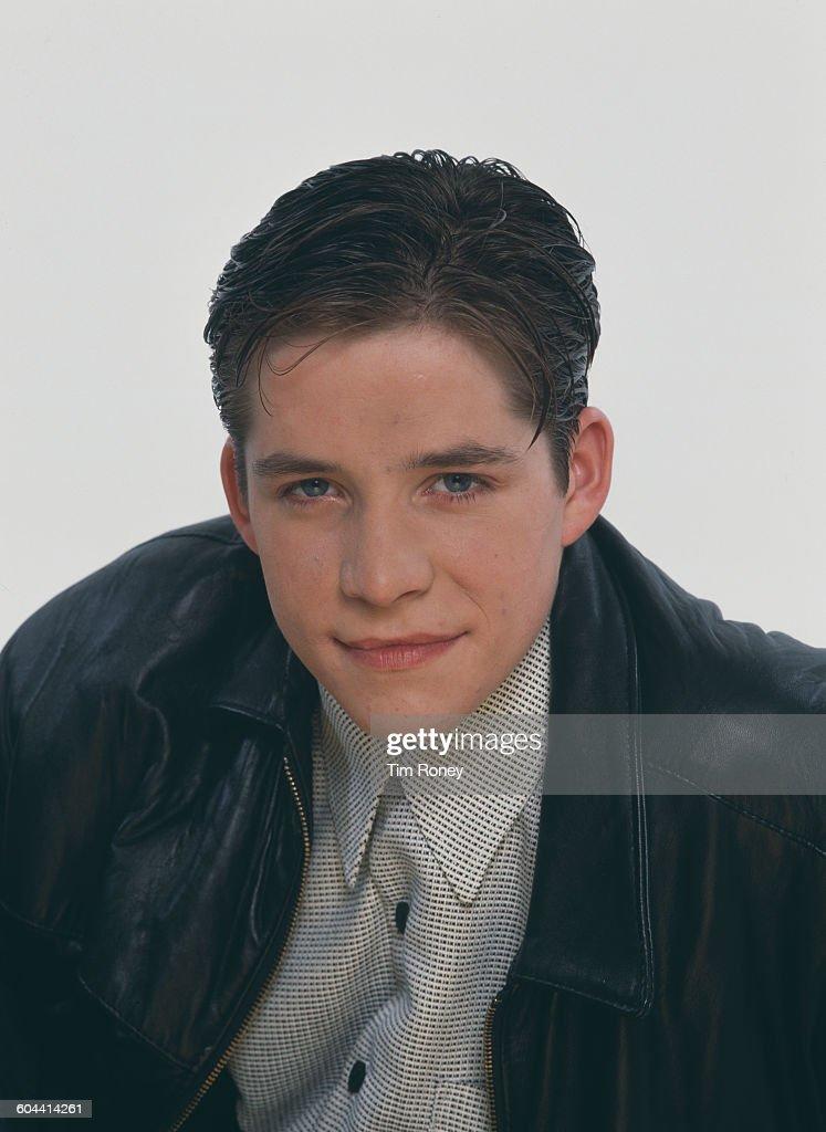 English actor and singer Sean Maguire, circa 1993.
