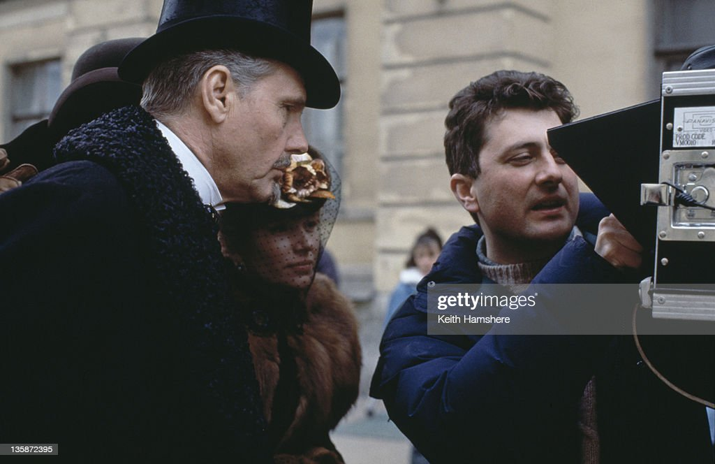 English actor James Fox as Karenin, with director <a gi-track='captionPersonalityLinkClicked' href=/galleries/search?phrase=Bernard+Rose&family=editorial&specificpeople=6841639 ng-click='$event.stopPropagation()'>Bernard Rose</a> on the set of the film 'Leo Tolstoy's Anna Karenina', 1997. The movie was filmed on location in Russia.
