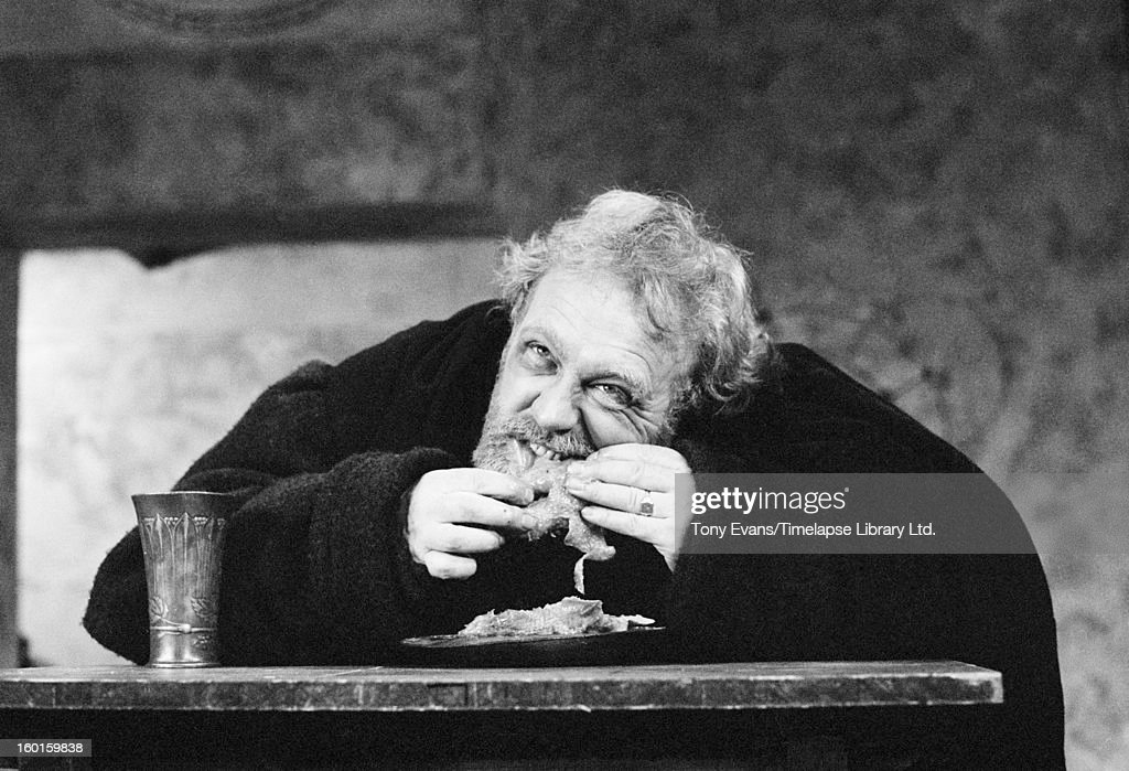 Bertoly Brechts Mother Courage Drama Essay