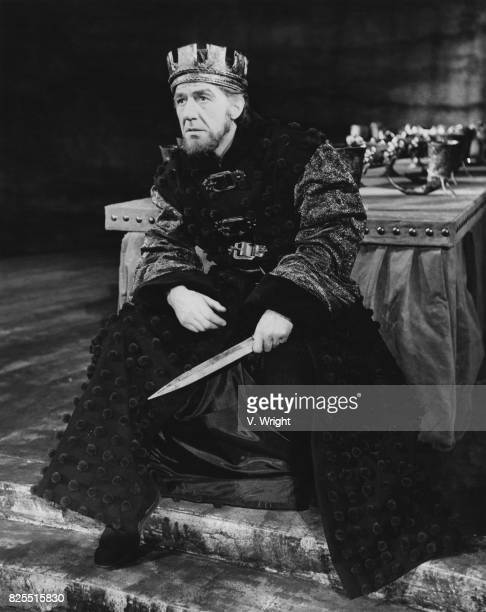 English actor Michael Hordern in the title role of Shakespeare's 'Macbeth' at the Old Vic in London 17th December 1958 The play was directed by...