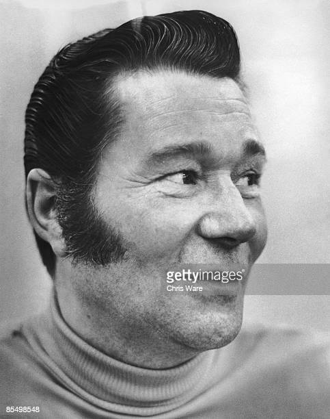 English actor Reg Varney at his home in Essex 27th April 1971 Varney is best known for his roles in popular British sitcoms 'The Rag Trade' and 'On...