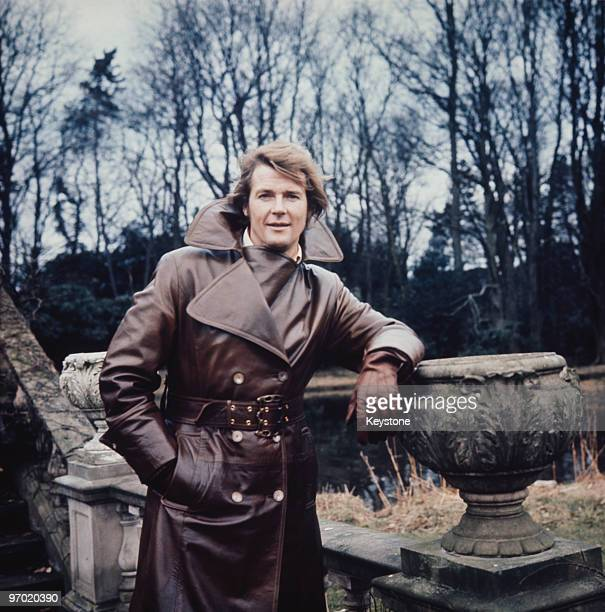 English actor Roger Moore on set during filming of the TV series 'The Persuaders' circa 1972