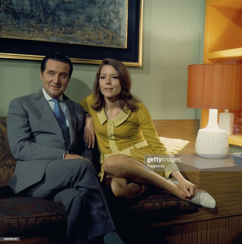 English actors Patrick Macnee as 'John Steed' and <a gi-track='captionPersonalityLinkClicked' href=/galleries/search?phrase=Diana+Rigg&family=editorial&specificpeople=206289 ng-click='$event.stopPropagation()'>Diana Rigg</a> as 'Emma Peel' posed on the set of the television series 'The Avengers' in 1968.
