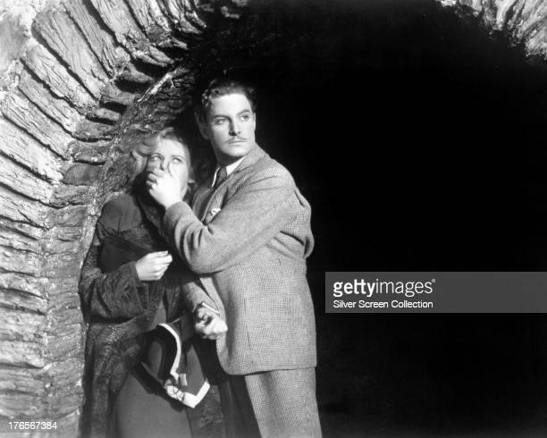 English actors Robert Donat as Richard Hannay and Madeleine Carroll as Pamela in 'The 39 Steps' directed by Alfred Hitchcock 1935