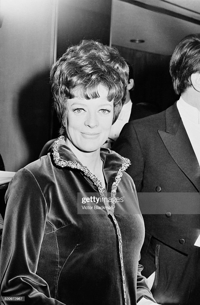English actress Dame <a gi-track='captionPersonalityLinkClicked' href=/galleries/search?phrase=Maggie+Smith&family=editorial&specificpeople=206821 ng-click='$event.stopPropagation()'>Maggie Smith</a> at the Odeon, Leicester Square for the premiere of 'The Prime of Miss Jean Brodie', London, 1969.