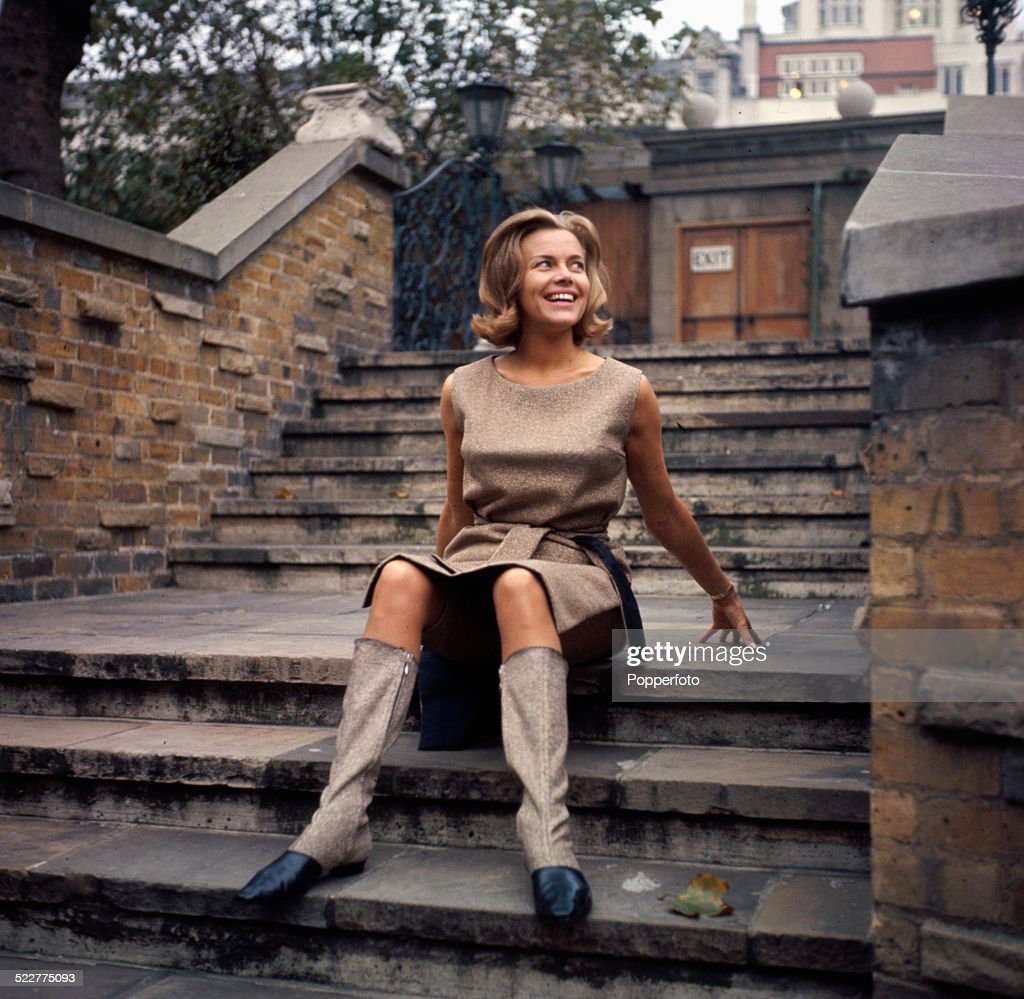 English actress <a gi-track='captionPersonalityLinkClicked' href=/galleries/search?phrase=Honor+Blackman&family=editorial&specificpeople=215433 ng-click='$event.stopPropagation()'>Honor Blackman</a> posed during the press launch of the television series The Avengers in Mayfair, London in 1964.